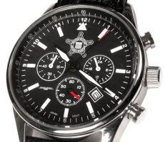 Часы Обамы с печатью Секретной службы США на циферблате. В обычных часах на циферблате название марки и модель.