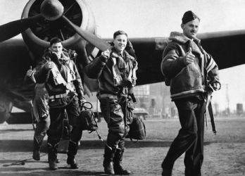 Omega поставщик часов для БританскихКоролевских ВВС в течение Второймировой войны