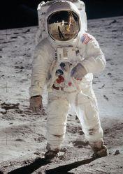 Часы Omega Speedmaster на Луне
